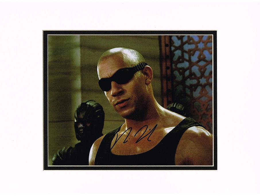 Visa Credit Card Back Vin Diesel Autograph S...