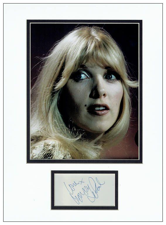 Lynsey Display Autograph Paul de Signed