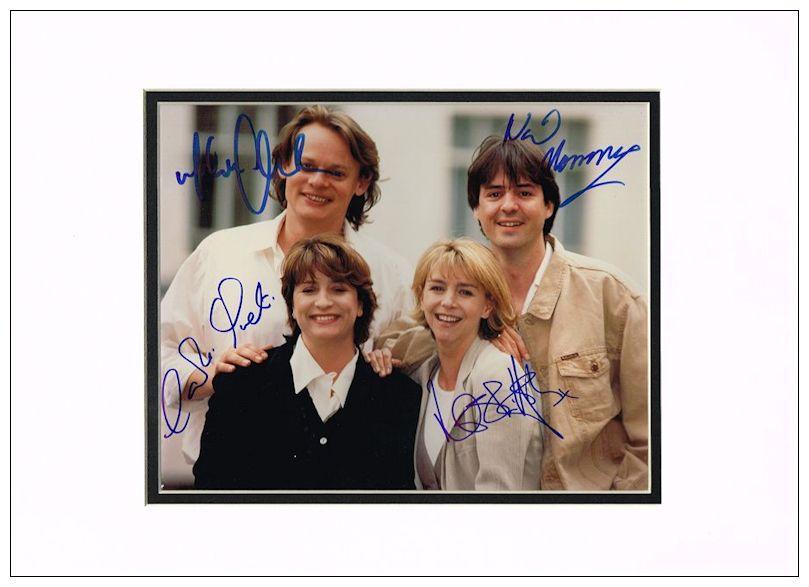 Behaving Cast For Badly Signed Autograph Men Photo Sale